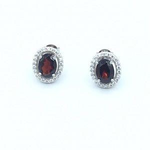 Jewelry - 🛍925 SS Natural Garnet Oval Stud Earrings🛍